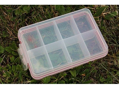 8 compartments fly box