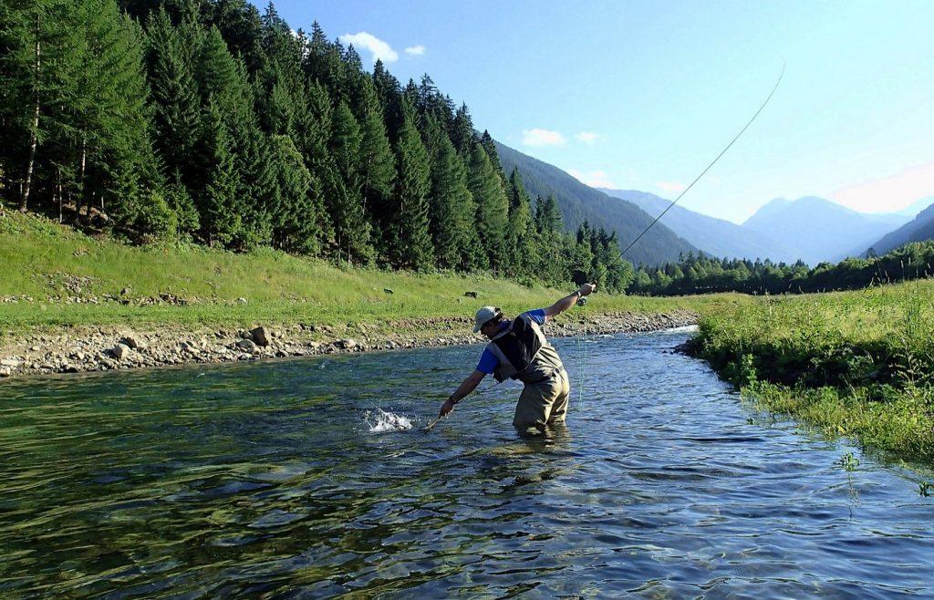 Pêche à la mouche en Italie avec un équipement de chez PLC