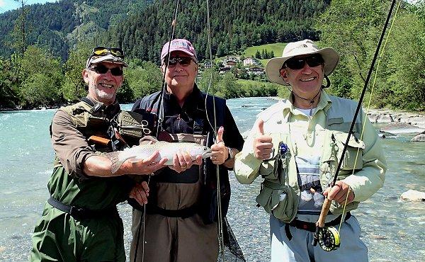Isel et Tauernbach en Autriche, des pêcheurs heureux