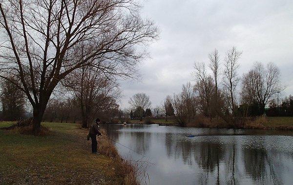 Lionel beim Streamer fischen